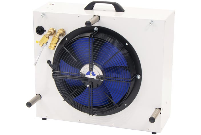 Outdoor heat reject unit with automatically adjusting variable speed EC fan